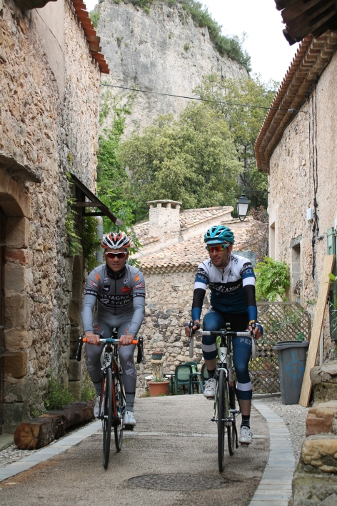 southfrancecycling_village